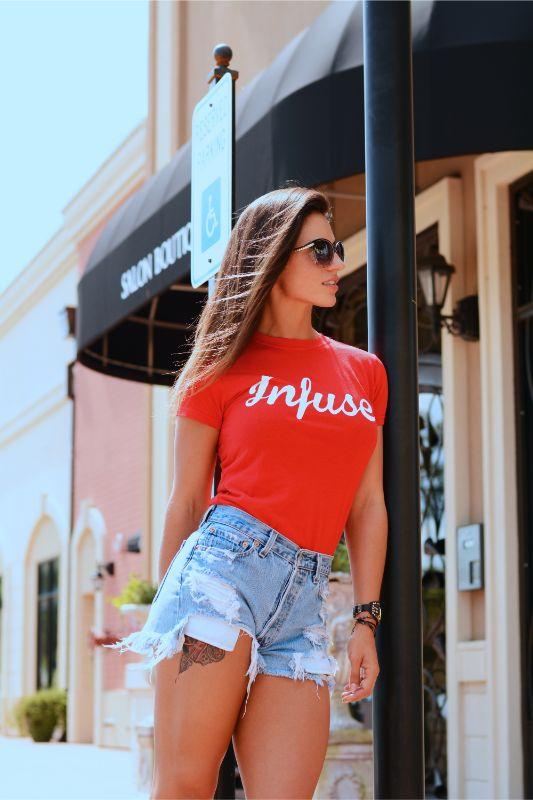 Mini jeans and T-Shirt Fashion