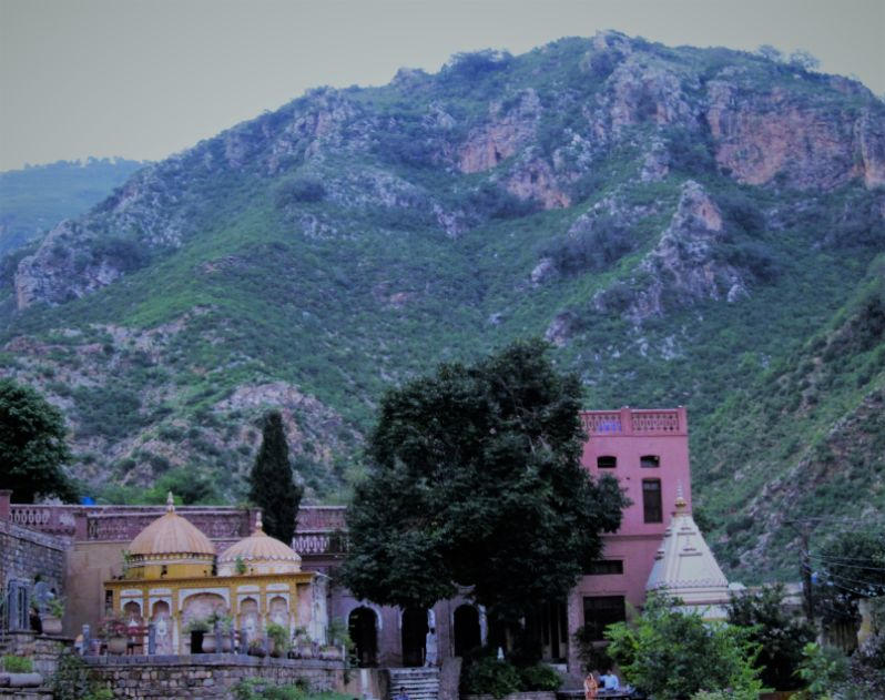 Saidpur Village and the High Hills are the places to visit in Islamabad | Blurbgeek
