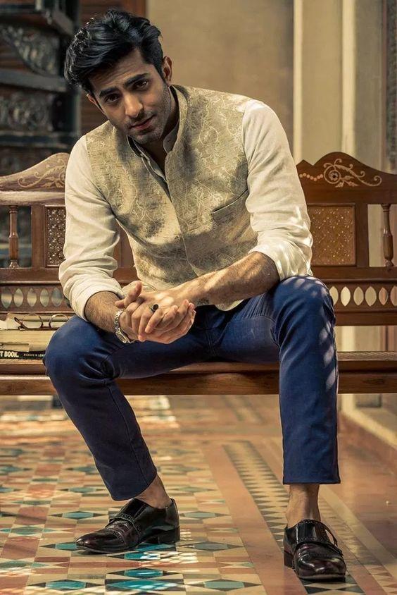 Shehryar Munawar : A rising Star of Pakistani Film Industry   Posted by:   Blurbgeek