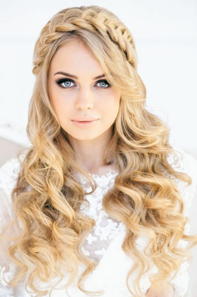 Crown For Curls Easy To Do Hairstyle