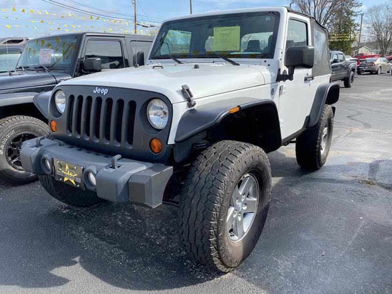 Jeep Wrangler Sports Heavy Duty Vehicle   Blurbgeek