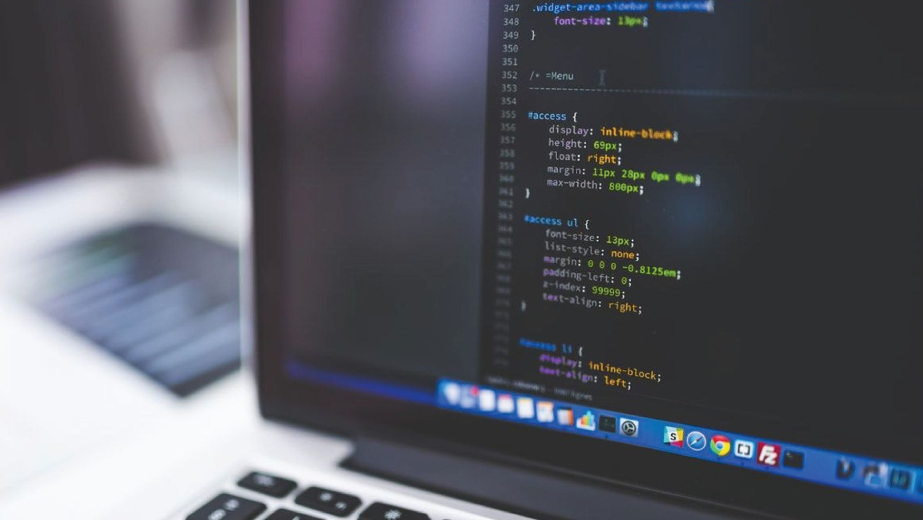 THE REASONS WHY PYTHON LANGUAGE IS POPULAR (2019)