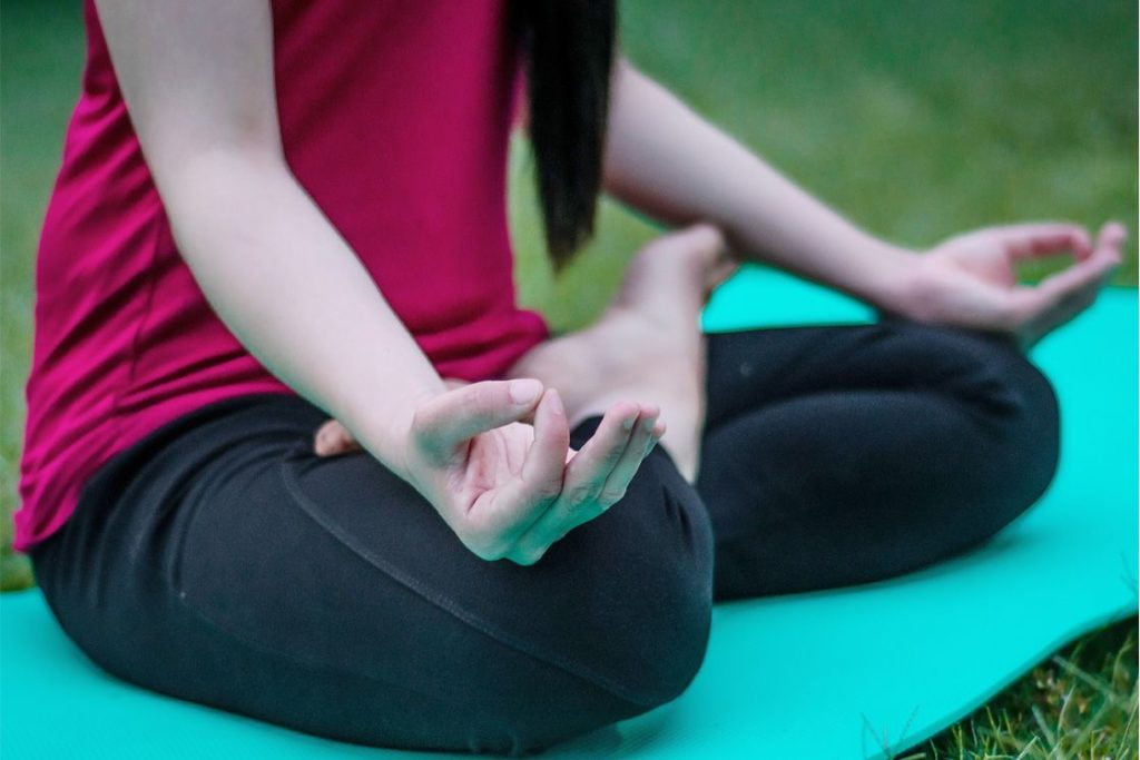 Mudra- Meditation Techniques | Blurbgeek